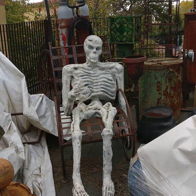#Thanos e #thanatos#Scheletro #teschio #teschiomessicano #teschi #skull #skulls #death #ricordatichedevimorire #mementomori