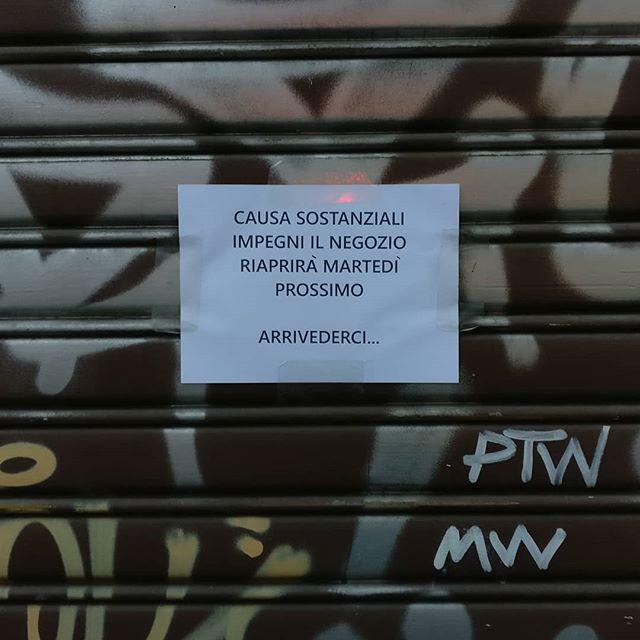 #sostanziali #impegno #cartelli #cartellistrani #milano #navigli #milan #arrivederci