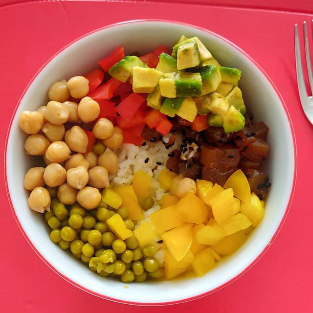 Questo l'ho fatto io.#healthyfood #poke #pokemongo #office #homemade #tuna #rice