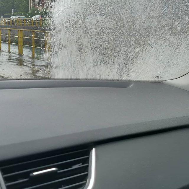 #31 #agosto  it's #raining  #🌧 #🌪 #